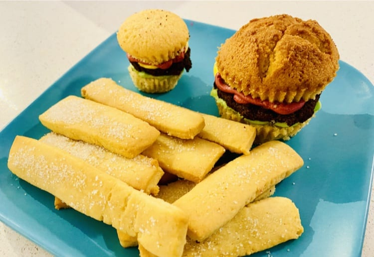 Hamburger Cupcakes And 'Chips'