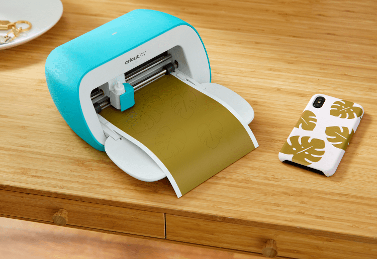 Win a Cricut Joy and Materials Pack
