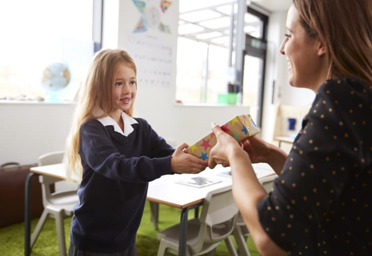 Mum Shamed For Refusing to Contribute to Teacher's Gift