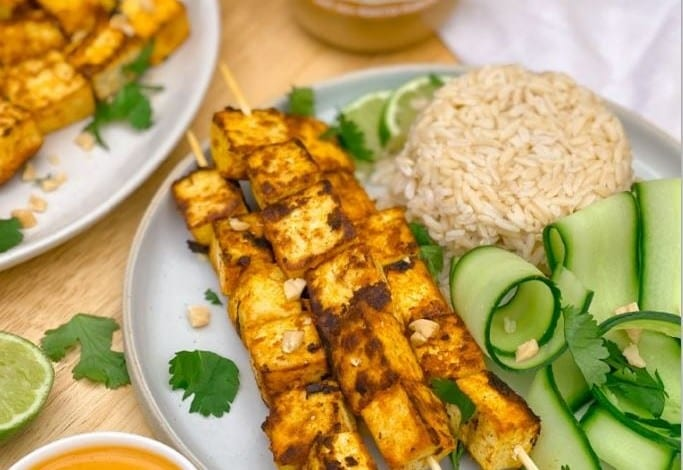 Tofu Satay Skewers with Smunchy Peanut Butter Dipping Sauce