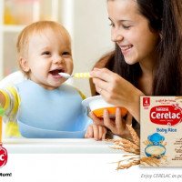 CERELAC infant cereals review_cerelac baby rice mother feeding baby