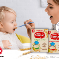 Mother feeding baby CERELAC infant cereals review_cerelac multigrain infant cereal main image