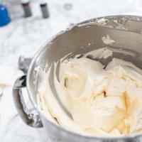 Easy Buttercream Icing Recipe
