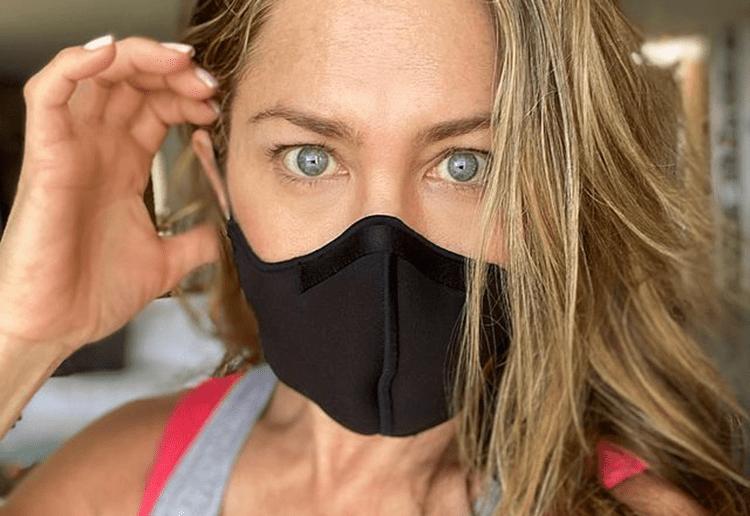 Jennifer Aniston drops friends who won't get COVID-19 vaccine