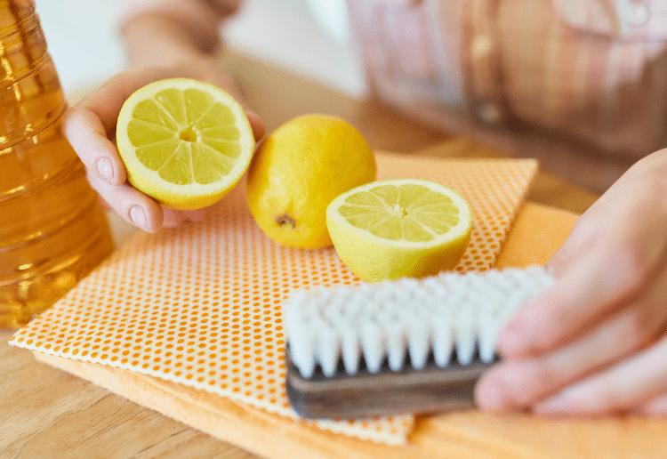 DIY lemon spray _main image_750x516