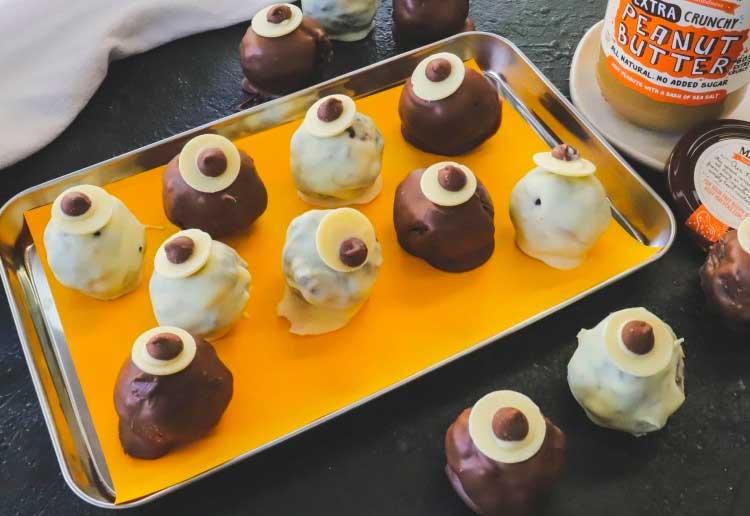 Halloween Peanut Butter Eyeballs snack