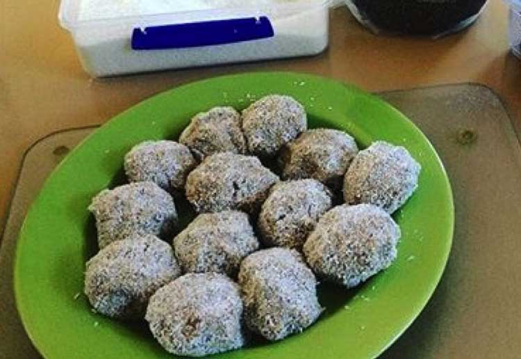 Date and coconut bliss balls recipe