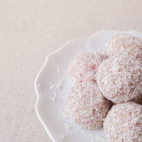11 easy bliss ball recipes for snacking