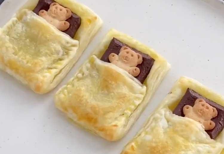 Adorable Snack: Sleeping Bear Pain Au Chocolat